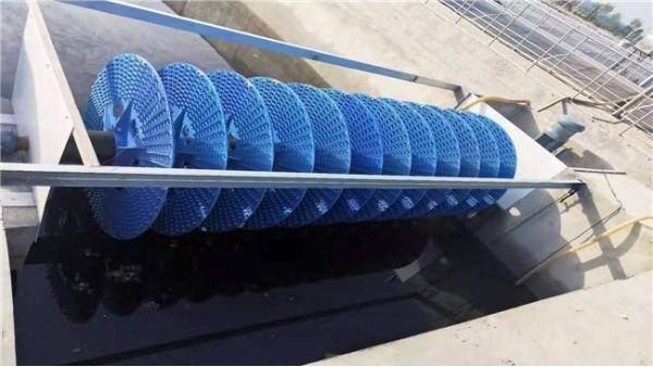 襄绿环保带你了解氧化沟工艺中导流和混合辊助装置的结构和作用?