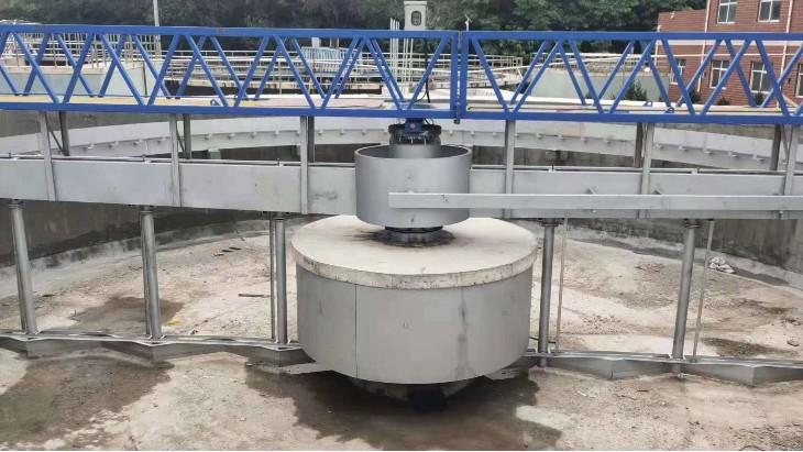 刮泥机案例:宁县污水处理厂,周边传动刮泥机现场