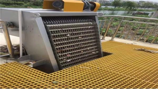 机械格栅除污机安装维护使用注意事项有那些?襄绿环保教您